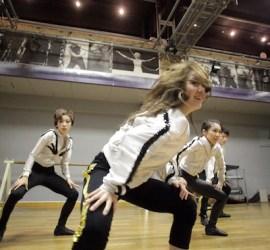 FWDSプロダンサー科生達のダンス動画