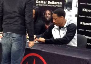 DeRozan signing autographs by MoVernie 2