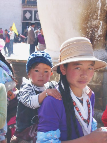 7 days in Tibet, engage with the Tibetan people