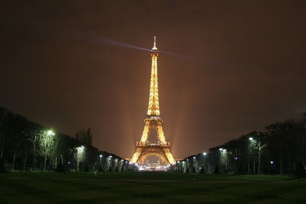 Paris is the undoubtful number one on any top romantic Valentine's day destinations list. The city is called: the city of Love for a reason
