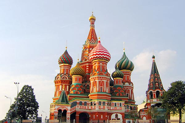Saint Basil's Cathedral, one of the things to see in Moscow when you travel by train from St. Petersburg to Moscow.