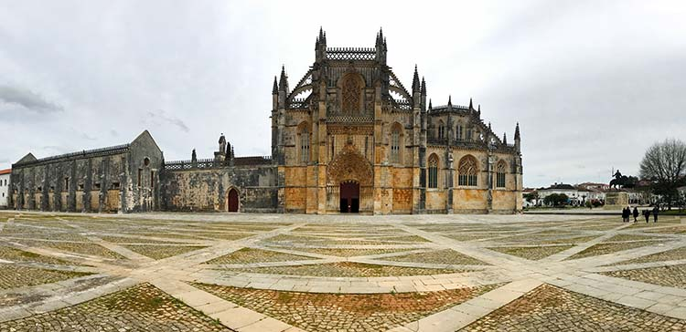 Alcobaca, Batalha and Tomar: 3 Monasteries of Portugal in 1 Day