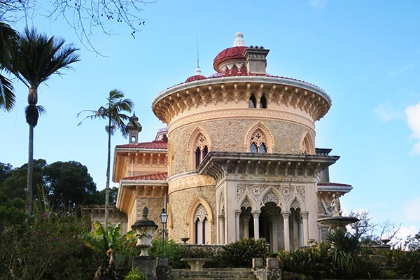 One off the beaten track sight to visit in Sintra Portugal, is the Monserrate Palace and Gardens. The pink estate feels like a dream of long forgotten childhood summers that you're trying to hold on to. I share my love for the Monserrate Palace Sintra and I give you practical tips on how to visit it too.