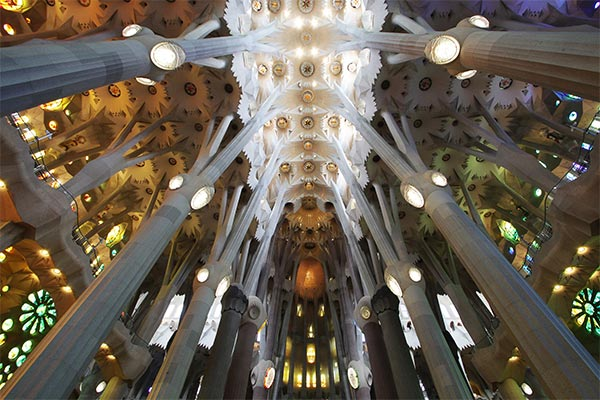 See the best of Barcelona in one day with the Gaudi Pass. Save money while you travel around Barcelona the most efficient way. Who doesn't want that? Read what the Gaudi Pass is and how to use it to optimize your one day in Barcelona.