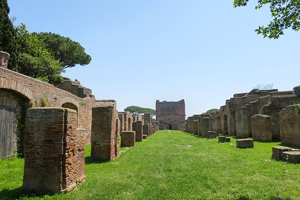 If you're looking to escape the crowds of Rome and you're interested in history, then a day trip to Ostia Antica from Rome is a must do! Read the 5 excellent reasons to take this day trip from Rome and find my tips for practicalities to visit the Roman ruins of Ostia.