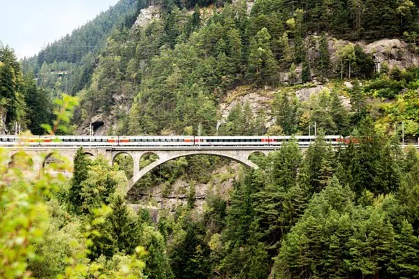 Gotthard Panorama Express train from Luzern to Lugano in Switzerland is also named William Tell Express (Wilhelm Tell Express). I explain what it is like to travel on this train and how you can arrange it yourself!
