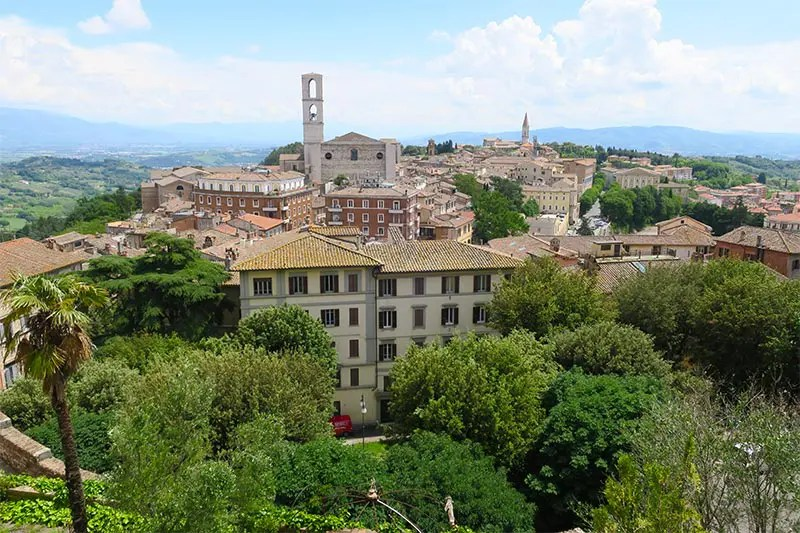 Discover the villages and city around Rome with this 7-day Lazio and Umbria road trip itinerary from Rome. Where to stay, what to see and how to plan it.