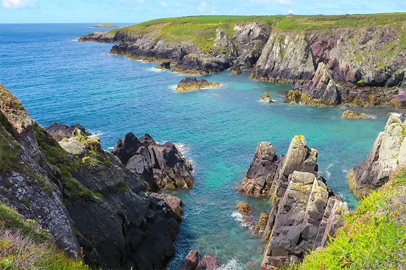 The smallest city in the UK offers a lot of things to do. St. Davids has great walking trails and beaches. Read my 10 best things to do in St. Davids Wales.