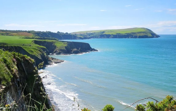Hiking Fishguard to Newport – Pembrokeshire Coast Path