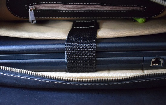 Businesstasche von Tikiwe schwarz mit Laptop Probenqueen