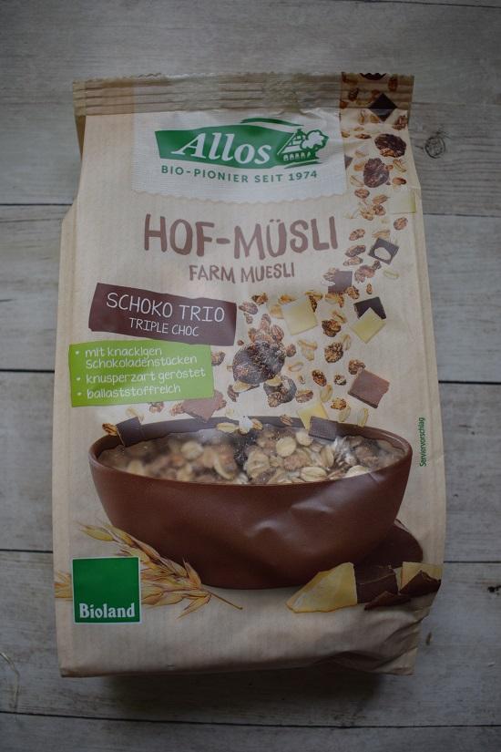 Brandnooz Genussbox Juni 2018 Allos Hof Müsli Schoko Trio Packung www.probenqueen.de