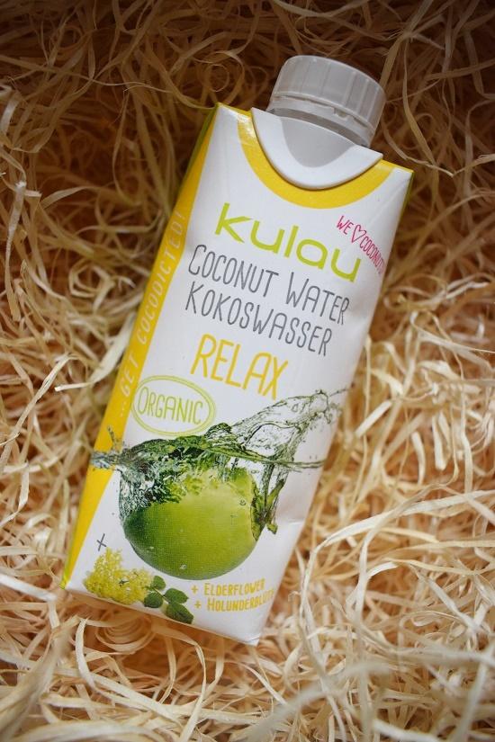 Brandnooz Genussbox Januar - Tetrapack Kulau Kokoswasser mit Holunderblüte