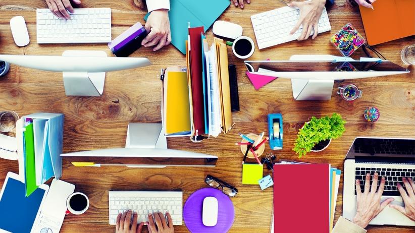 20151002164329-business-people-marketing-working-hard copy