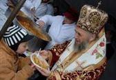 Peste sapte mii de sarmalute de post vor fi impartite maine la Biserica Sfantul Nicolae