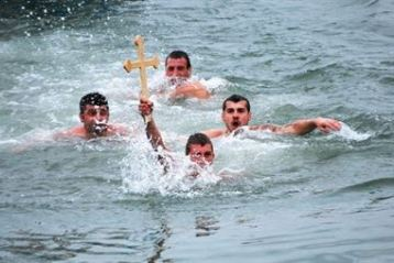 Sapte braileni s-au inscris in cursa pentru recuperarea Crucii de Boboteaza
