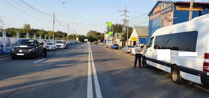 Mijloacele de transport în comun și taxiurile în vizorul polițiștilor