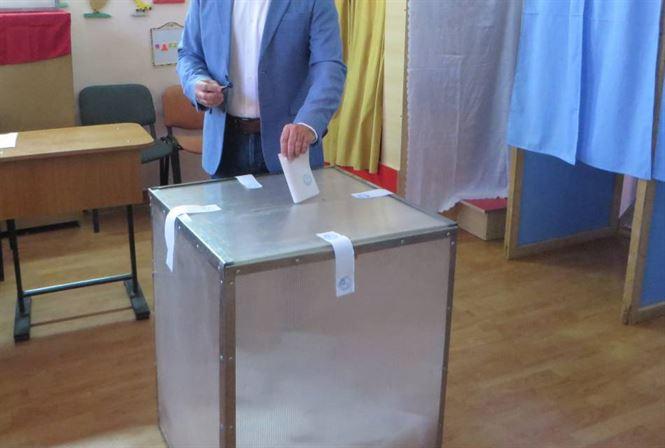Hotărâre BEC prin care alegătorii cărora le-au expirat buletinele în perioada 1 martie - 27 septembrie 2020 pot vota la alegerile locale în baza acestora