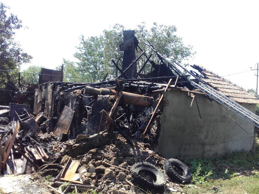 Trei incendii în ultimele 24 de ore