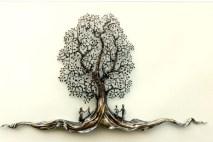 Kinderfreuden im Schatten des Baumes