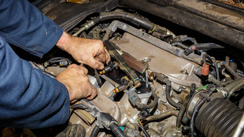 Car Fuel System Servicing