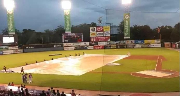 Juego entre Escogido y Gigantes se suspende por lluvias