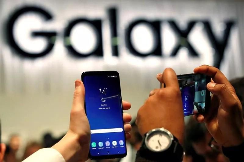 Samsung presenta un celular que no tendrá conexión a internet