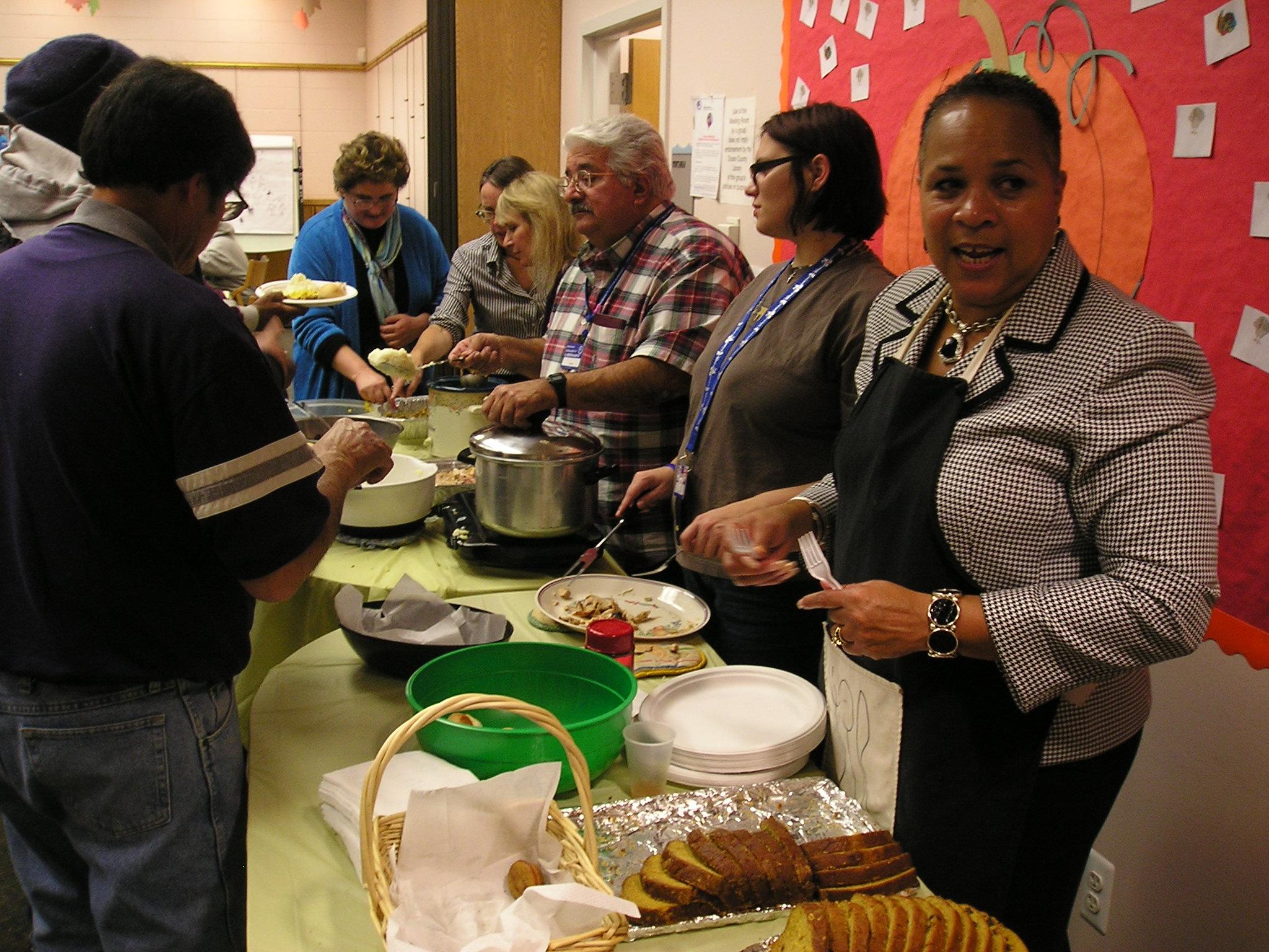 community-thanksgiving-dinner-010
