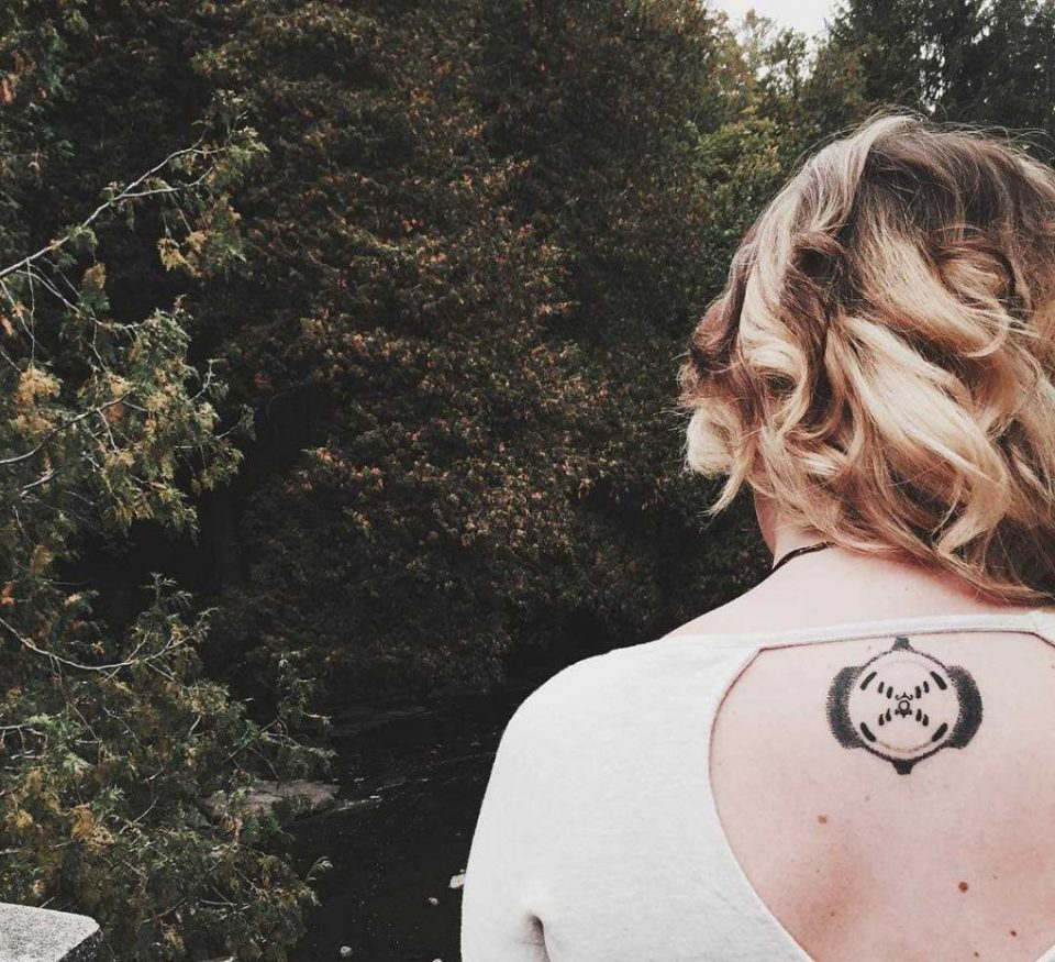Tatuaje Representa a Rosalind Franklin