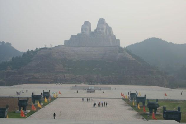 estatuas grandes