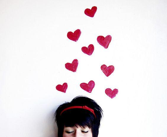pared de corazones 68