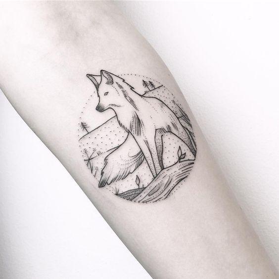 Tatuajes minimalistas de lobos 9