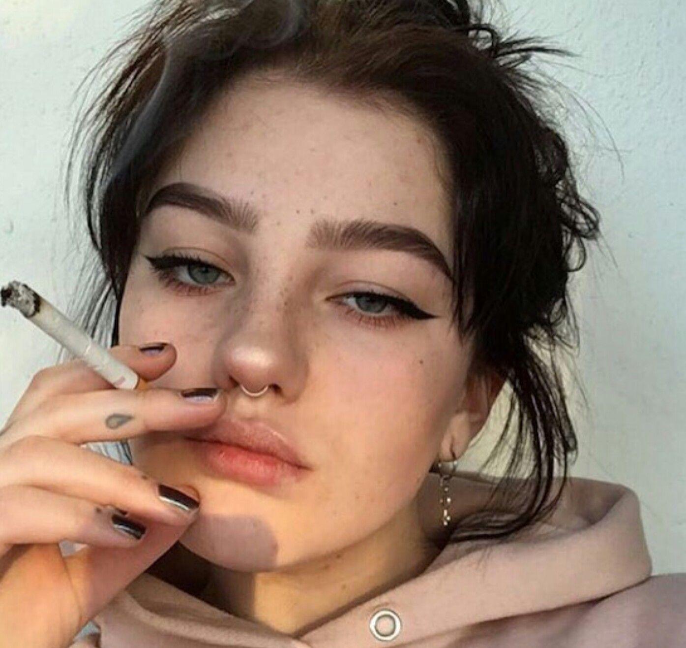 ropa indie grunge maquillaje