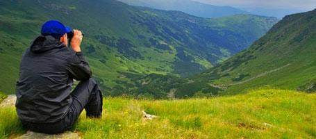 Choosing travel and general use binoculars