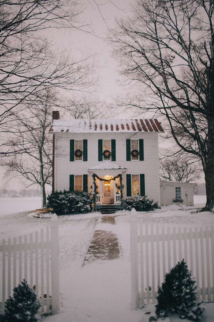 dreamy-winter-holiday-exteriors-4