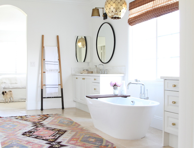 las palmas bathroom