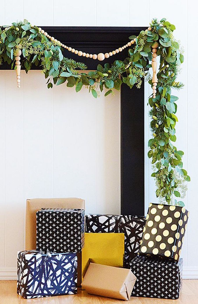 becki-owens-holiday-greenery-mantle2