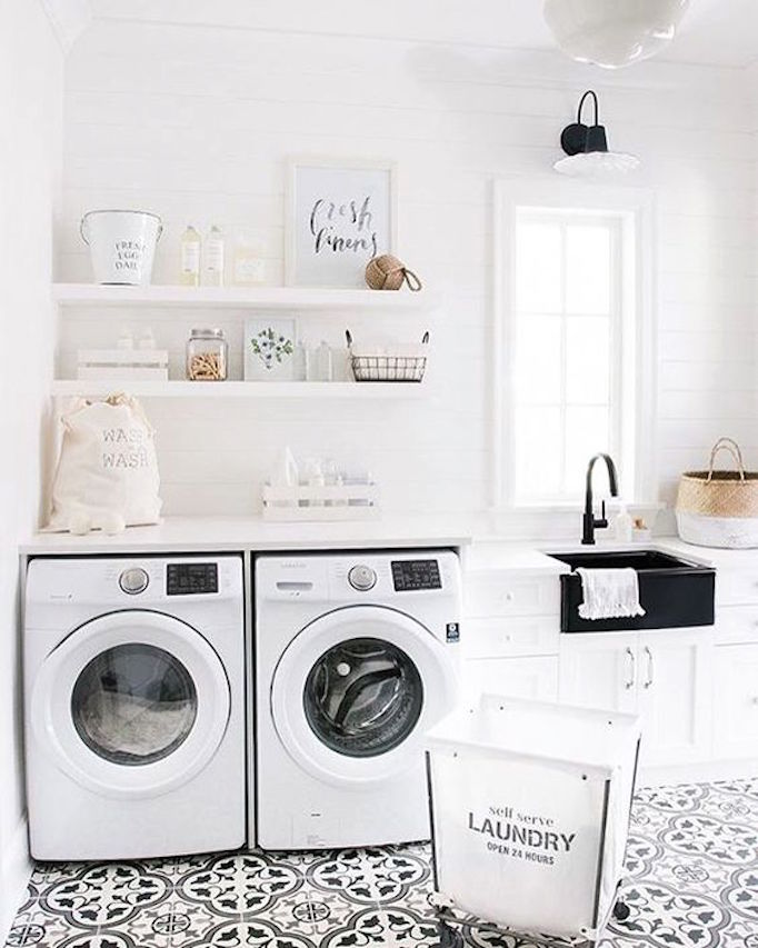 BECKI OWENS Black and White Laundry