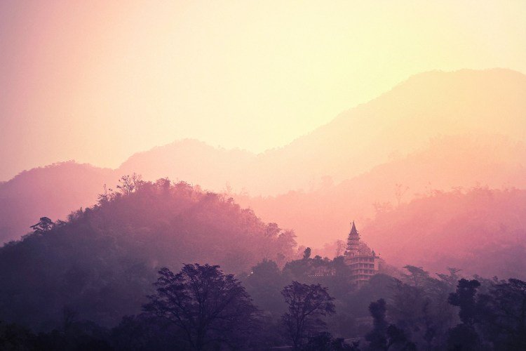 Himalayan therapies, mountain hikes and more await at Anada in the Himalayas in India.