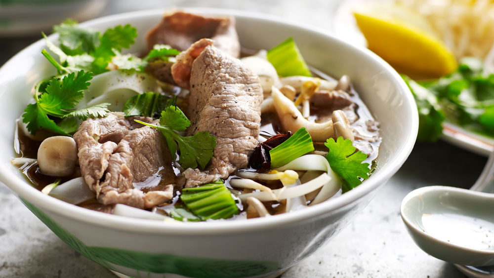 Easy Vietnamese beef noodle soup (pho) - 9Kitchen