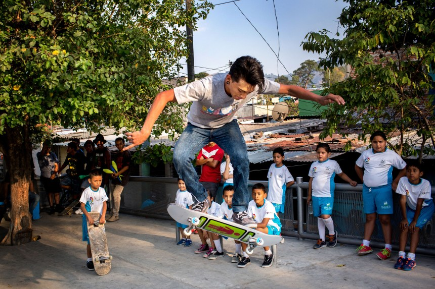 April 6 2017, El Salvador, San Salvador. At an event put on by the Mayor in a gang controlled barrio, local skaters show off their skills. Skating and other cultural activities attempt to create a cultural space for youth that is not gang related. (Natalie Keyssar)
