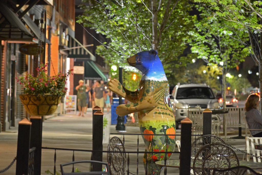 Small Town Fun In Hendersonville North Carolina Allegiant Destinations