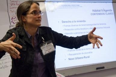 Lorena Zárate, presidenta de HIC, expone los desafíos de Hábitat III