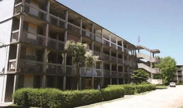 En la Zona 1, conformada por cinco cooperativas (Covisunca 4, 5 y 6, Coviadeom y Covicoes) se priorizaron los espacios de uso colectivo, concentrando las 710 viviendas en bloques de 4 niveles y en algunas unidades. Foto: Gustavo Castagnello.