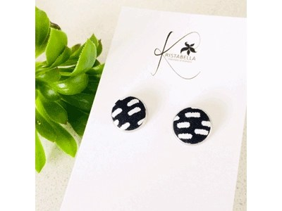 Stud Earrings Black-White Dash