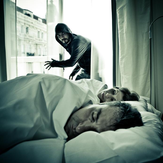 ¿Quieres dormir mejor? Instala una Alarma en casa