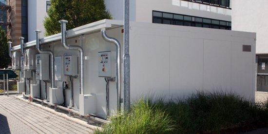 Sistema de almacenes prefabricados modulares para líquidos inflamables