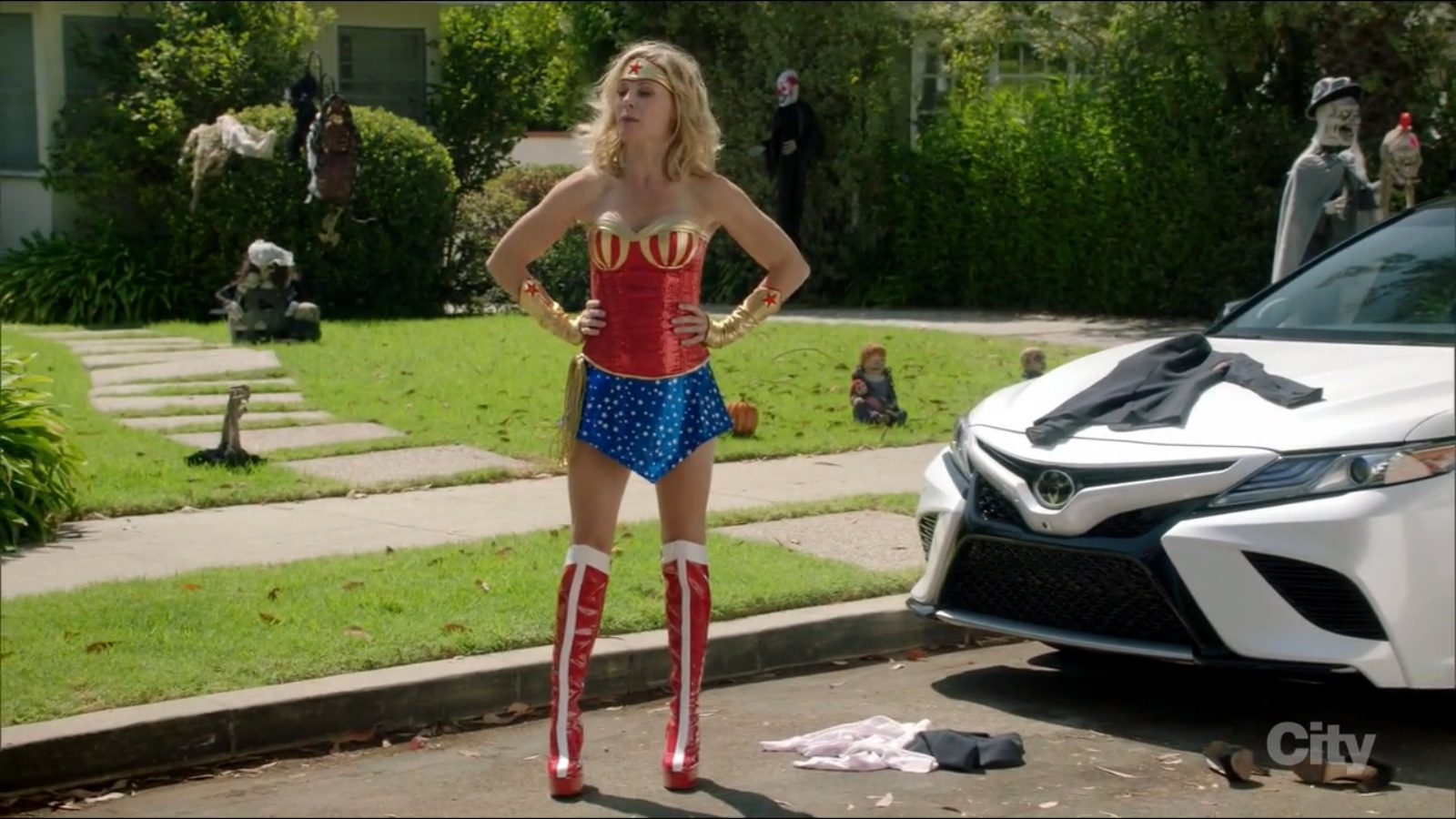 Toyota Camry Car Driven By Julie Bowen In Modern Family