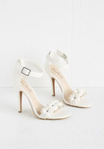 All Fleur You Heel in White