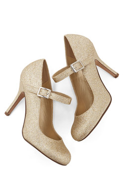 yes i candescent heel in gold (modcloth)