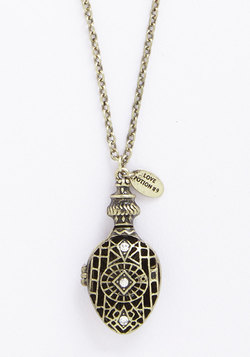 elixir of adoration necklace (modcloth)